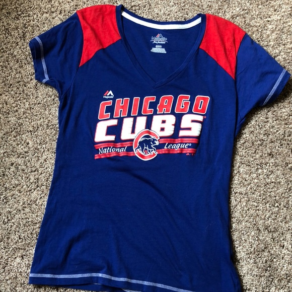save off dec2f 55d43 Chicago Cubs Women's tee